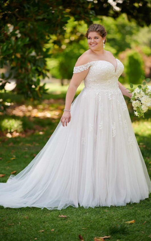 Stella York plus size wedding dress